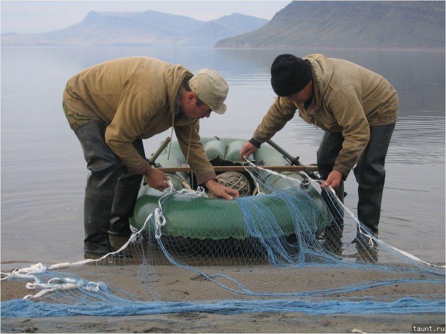 ловля рыбы на мережу на речке