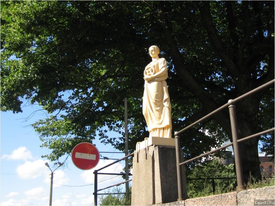 Перед Крепостным мостом