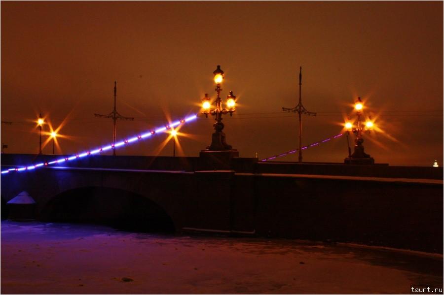 Фонари на Троицком мосту
