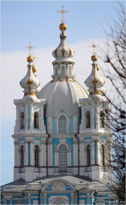 Колокольни Смольного собора