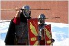 Легионеры с пилумами