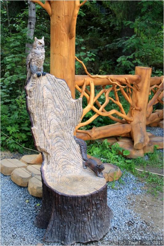 Кресло с совой и белкой