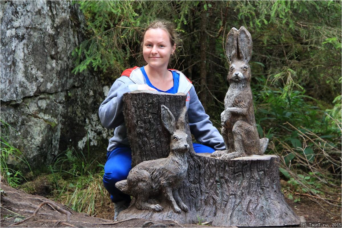 Маша с зайцами